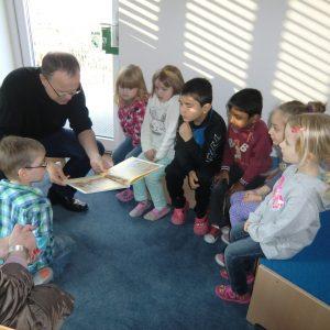 Frank Sundermann las in der AWO-Kindervilla Lengerich