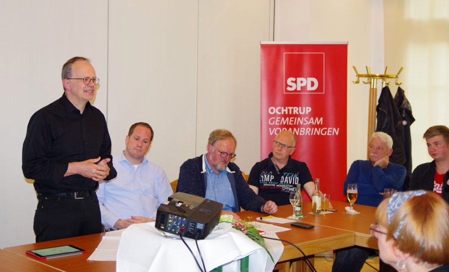 Frank Sundermann (l.) und Kämmerling sehen die schwarz-gelbe Landesregierung aufgrund des öffentlichen Drucks nun unter Zugzwang, hier nun endlich zu handeln.